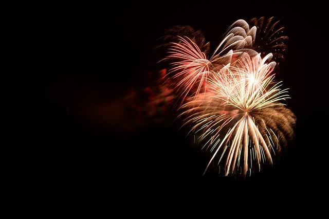 越生まつりを彩る花火